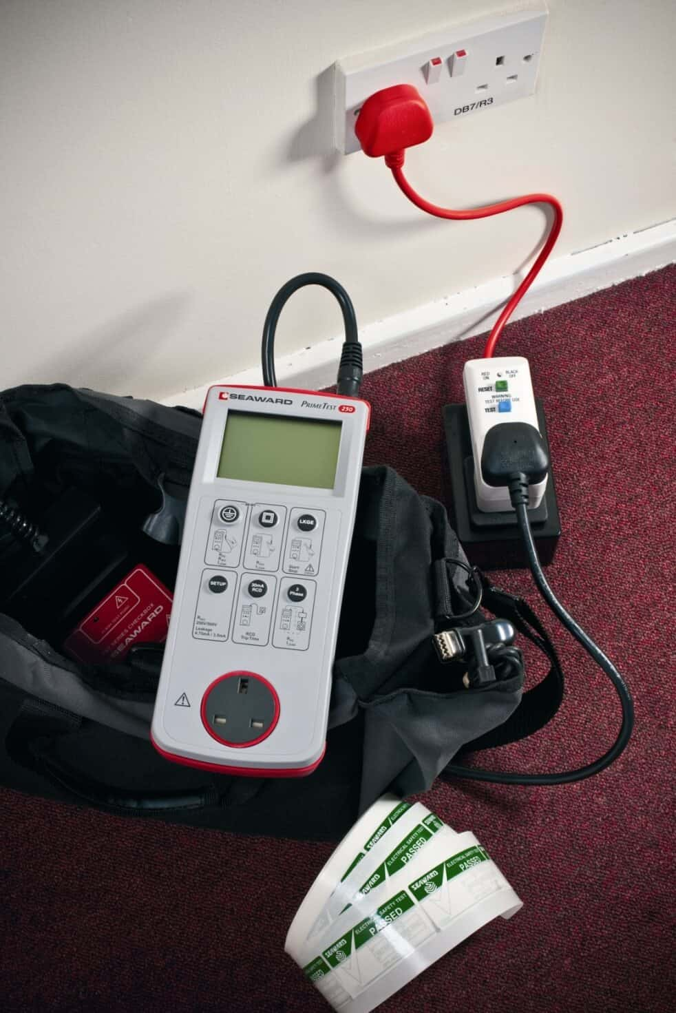 Leaflet For Hse Maintaining Portable Electrical Equipment In Offices And Other Low Risk Environments